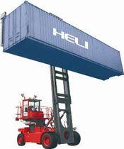 empty-container-handling-forklift-truck-56197-2282843.jpg